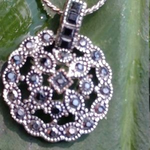 Vintage Trifari Blue Silver Necklace
